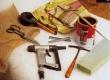sadulsepa, polsterdaja, kangavahetuse tööriistad.