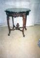 restaureeritud, pähklipuidust  uus, neo rokokoo marmorplaadiga laud 19.sajandi teisest poolest.