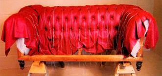 Chesterfield –sohvan verhousnahkan sijoitus